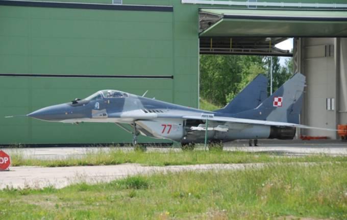 MiG-29 nb 77. Litwa 2012r.