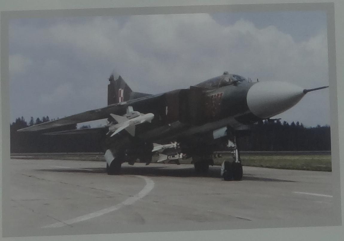MiG-23 MF nb 457 z pociskiem R-23R. 2018 rok. Zdjęcie MLP