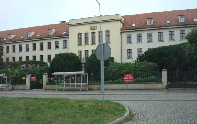 Gmach dowództwa CCCP na Europę. Obecnie Zakład Ubezpieczeń Społecznych. 2010 rok. Zdjęcie Karol Placha Hetman