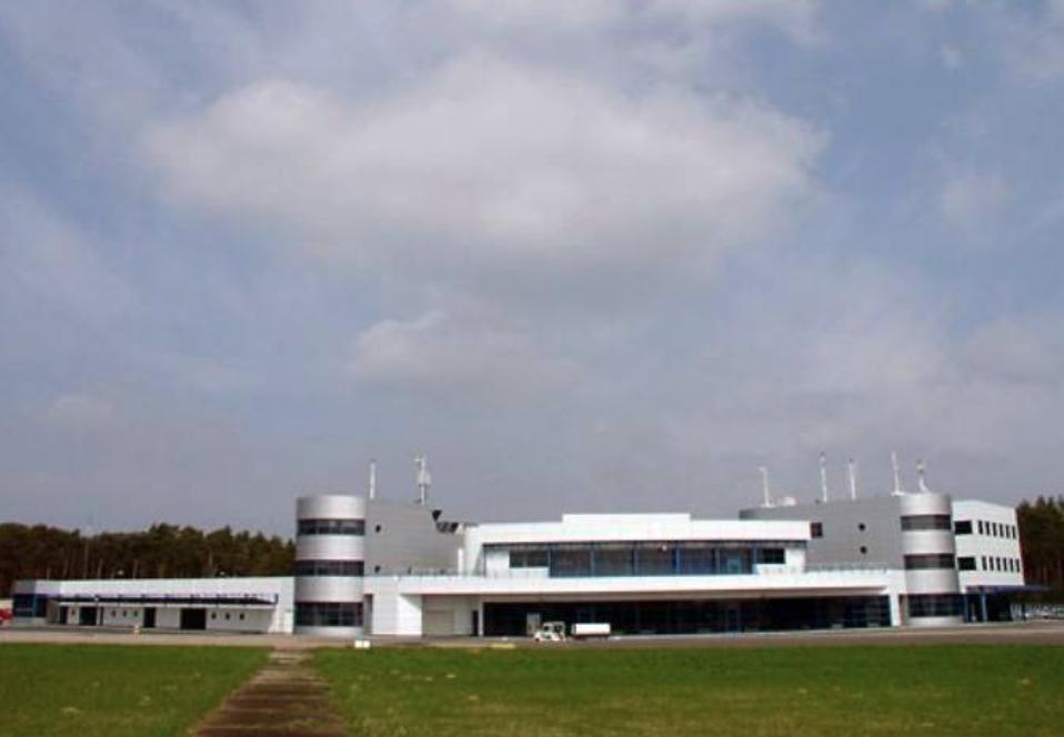Terminal Lotniska Goleniów. Widok od strony DS. 2009 rok. Zdjęcie LAC