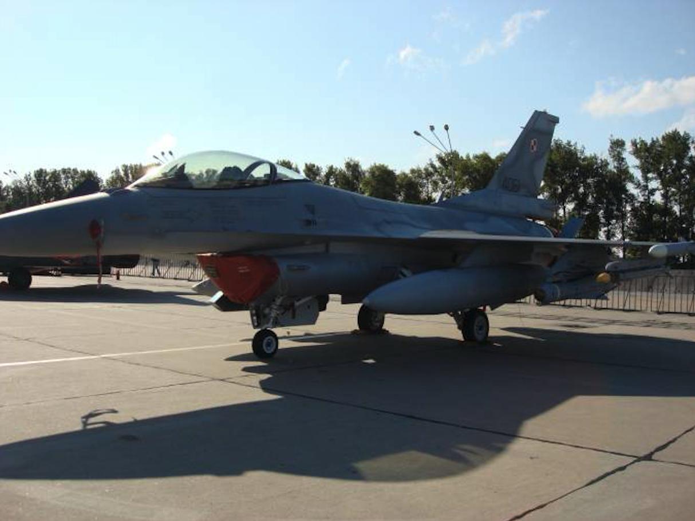 F-16 C Jastrząb nb 4061 Mińsk Mazowiecki 2008 rok. Zdjęcie Karol Placha Hetman