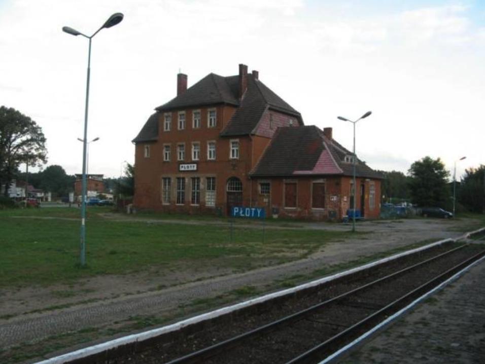 Stacja kolejowa Płoty. 2008 rok. Zdjęcie LAC
