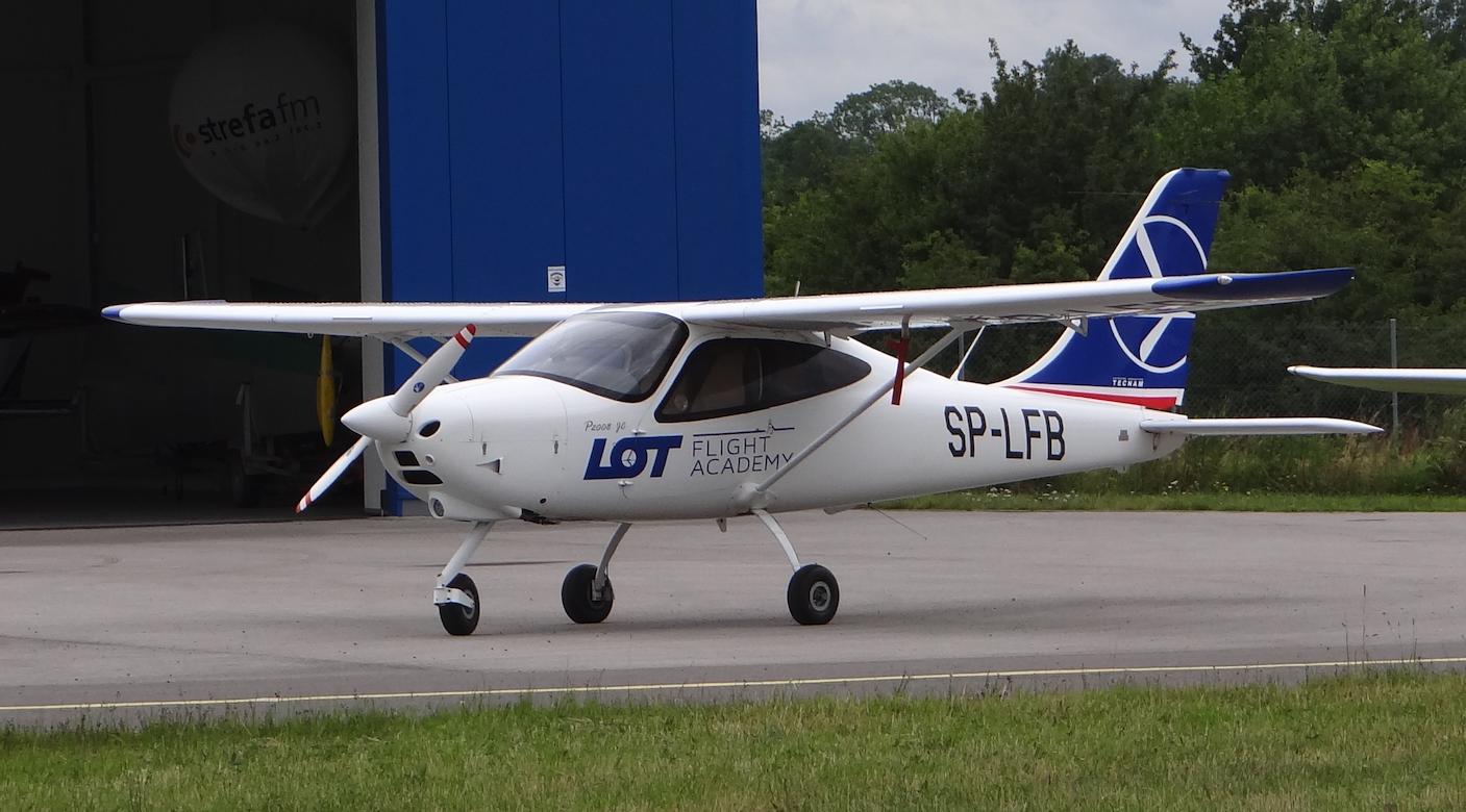 Lotnisko Piotrków Trybunalski. Tecnam P2008 JC. 2018 rok. Zdjęcie Karol Placha Hetman
