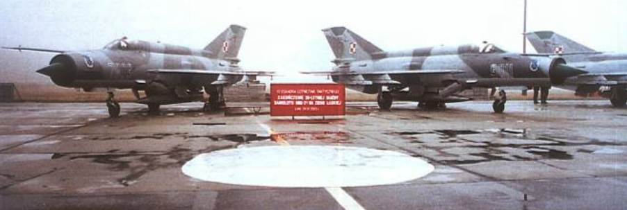 Goodbye MiG-21 MF at 10 ELTs in Lask. 2003. Photo of LAC