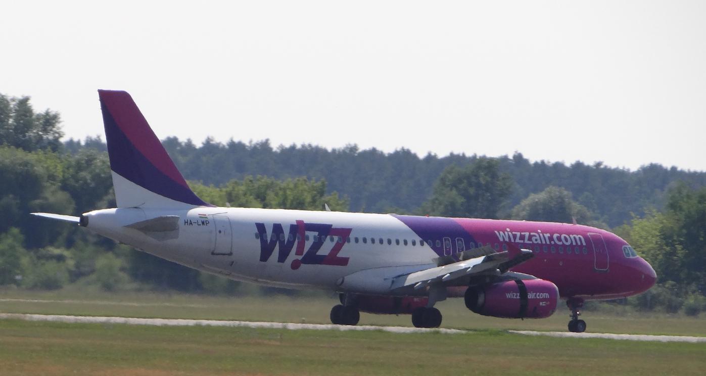 Airbus A-320 HA-LWP Wizz Air. Lotnisko Ławica. 2015 rok. Zdjęcie Karol Placha Hetman