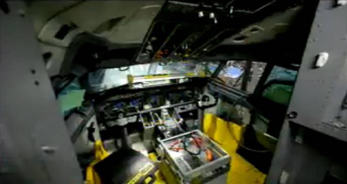 Postęp prac w kabinie załogi, już na taśmie produkcyjnej. Renton 2011r.