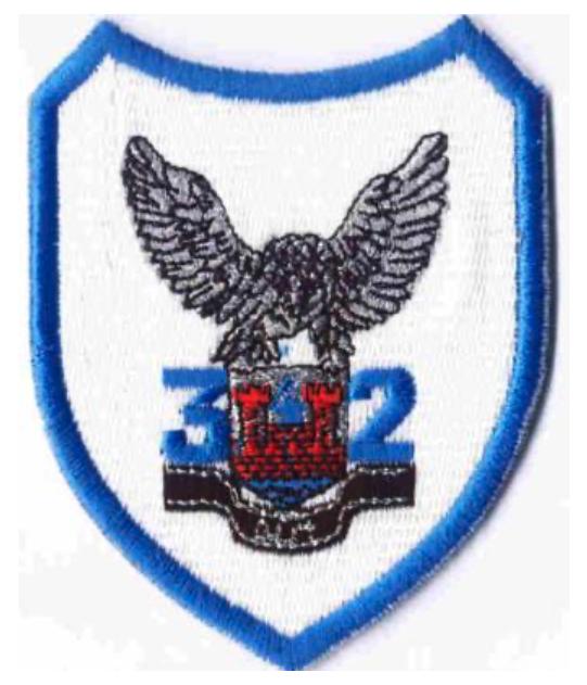 Godło 32 Pułku Lotnictwa Rozpoznania Taktycznego.