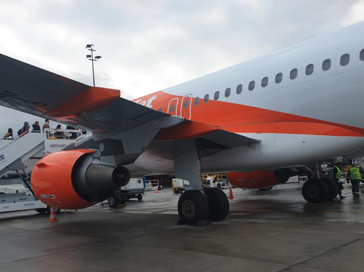 Airbus A-320, silniki i podwozie. 2016 rok. Zdjęcie Karol Placha Hetman