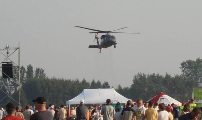 Kolejny egzemplarz Black Hawk w powietrzu. Air Show Radom 2011r.