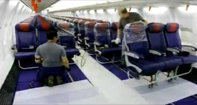 Instalowanie foteli. Renton 2011r.