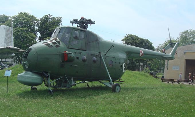 Śmigłowiec Mi-4 ME Nr 6/617 w MLP Czyżyny 2010r. Zdjęcie Karol Placha Hetman