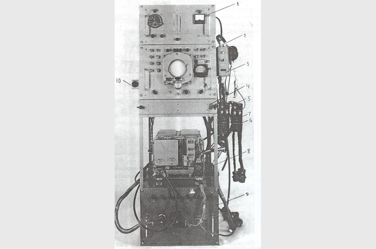 ARP-6D stojak I kanału. Źródło: Radionamiernik ARP-6D, opis techniczny i eksploatacja