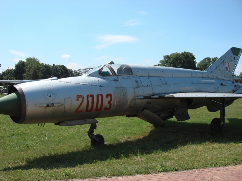 MiG-21 M nb 2003 nr 962003 w Czyżynach 2007 rok. Zdjęcie Karol Placha Hetman