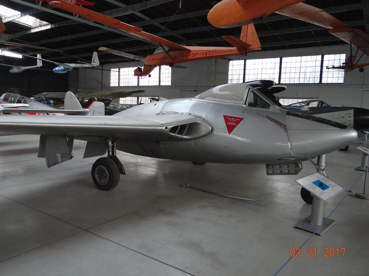 D.H. 100 Vampire FB Mk.6 nb J-1142. 2017 rok. Zdjęcie Karol Placha Hetman
