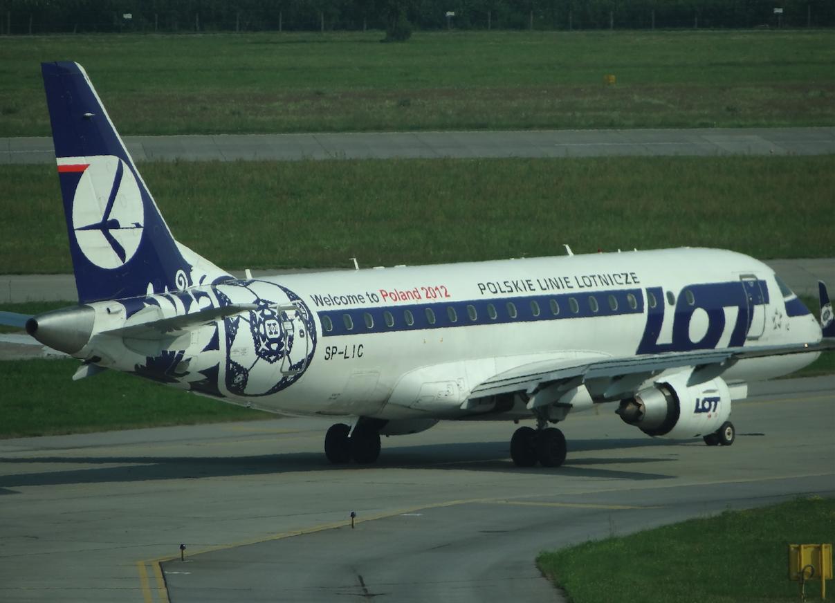 Embraer ERJ E-175 STD, rejestracja SP-LIC. 2012 rok. Zdjęcie Karol Placha Hetman