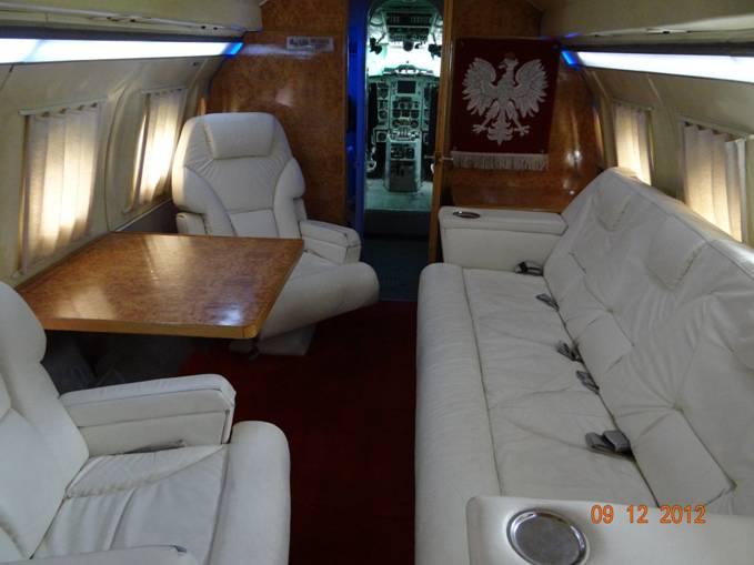 Wnętrze Jak-40 nb 044. Warszawa 12.09.2012r.