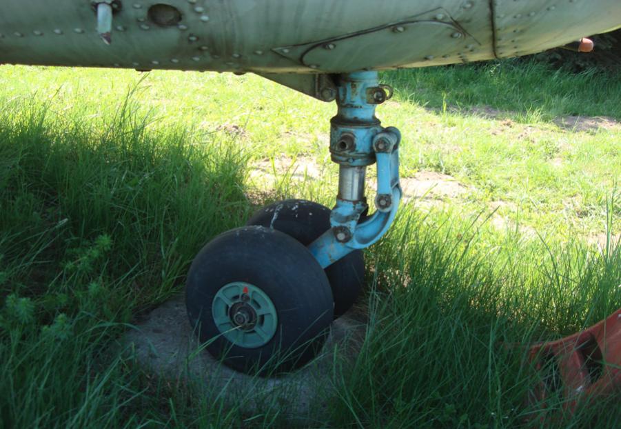 Mi-2. Podwozie przednie. 2011 rok. Zdjęcie Karol Placha Hetman