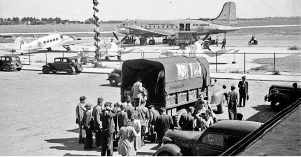Okęcie airport. 1946 year. Photo of LAC