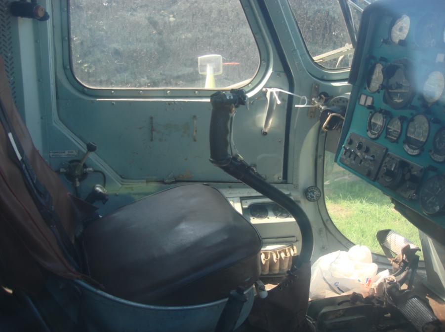 Mi-2, miejsce pilota. 2009 rok. Zdjęcie Karol Placha Hetman