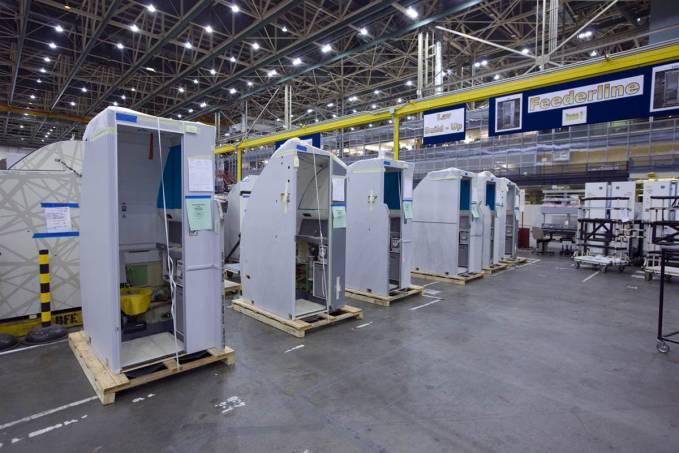 Toalety przygotowane do montażu w samolocie. Renton 2011r.