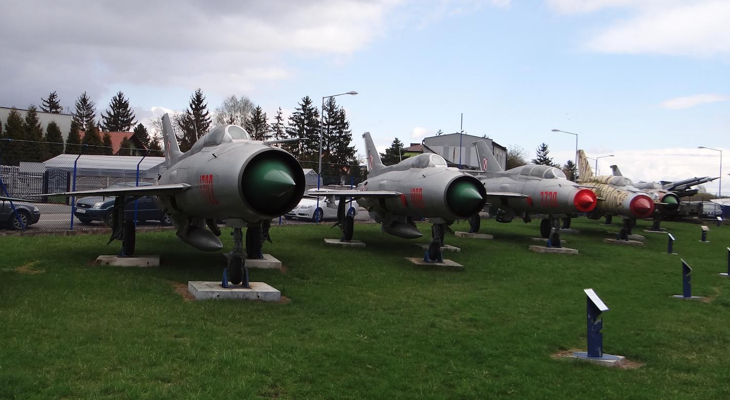 Polskie samoloty MiG-21 w Dęblinie. 2017 rok. Zdjęcie Karol Placha Hetman