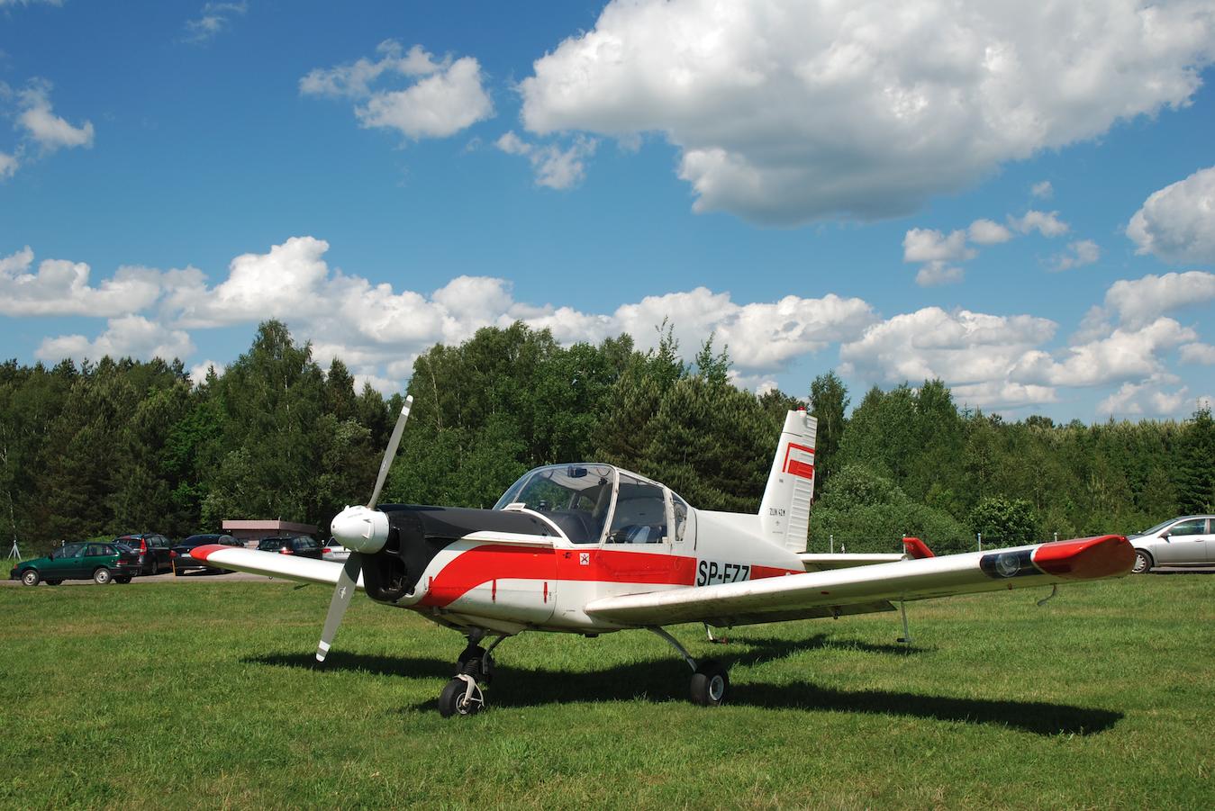 Samolot Zlin-42. Zdjęcie Bogdan Kozłowski