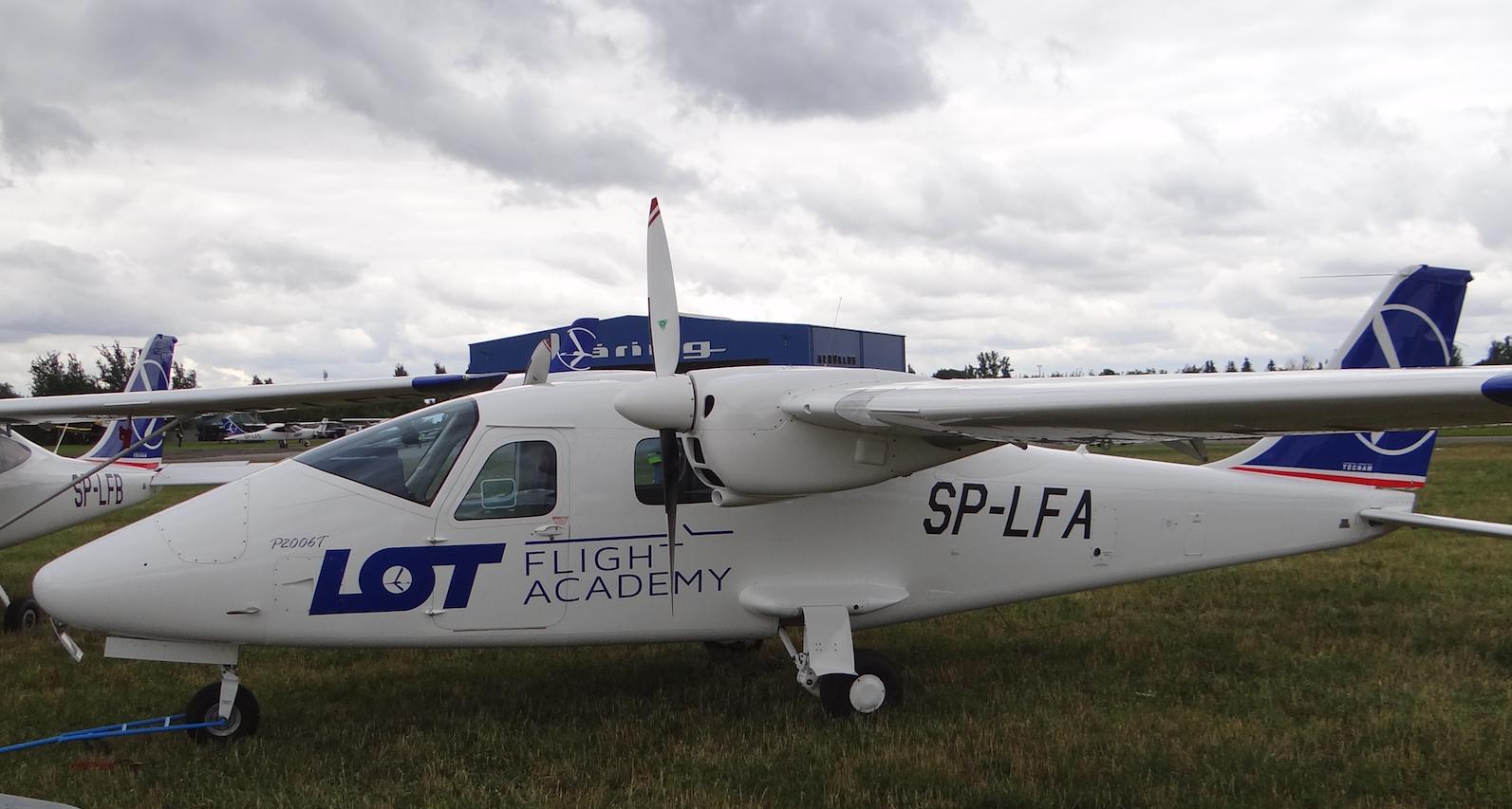 Samolot szkolny PLL LOT Tecnam P2006T SP-LFA. 2018 rok.Zdjęcie Karol Placha Hetman