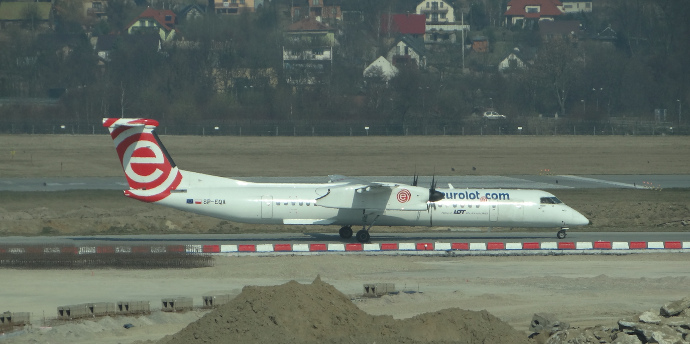 Bombardier DHC 8 Dsah 8-400 Q SP-EQA, EuroLot. 2014 rok. Zdjęcie Karol Placha Hetman